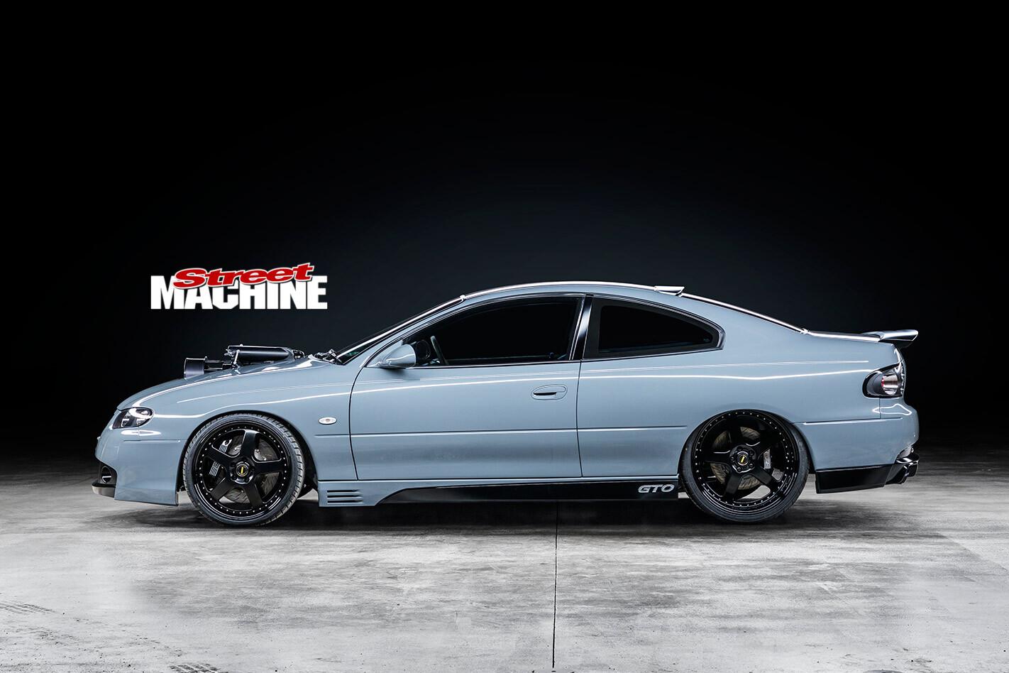 HSV GTO side