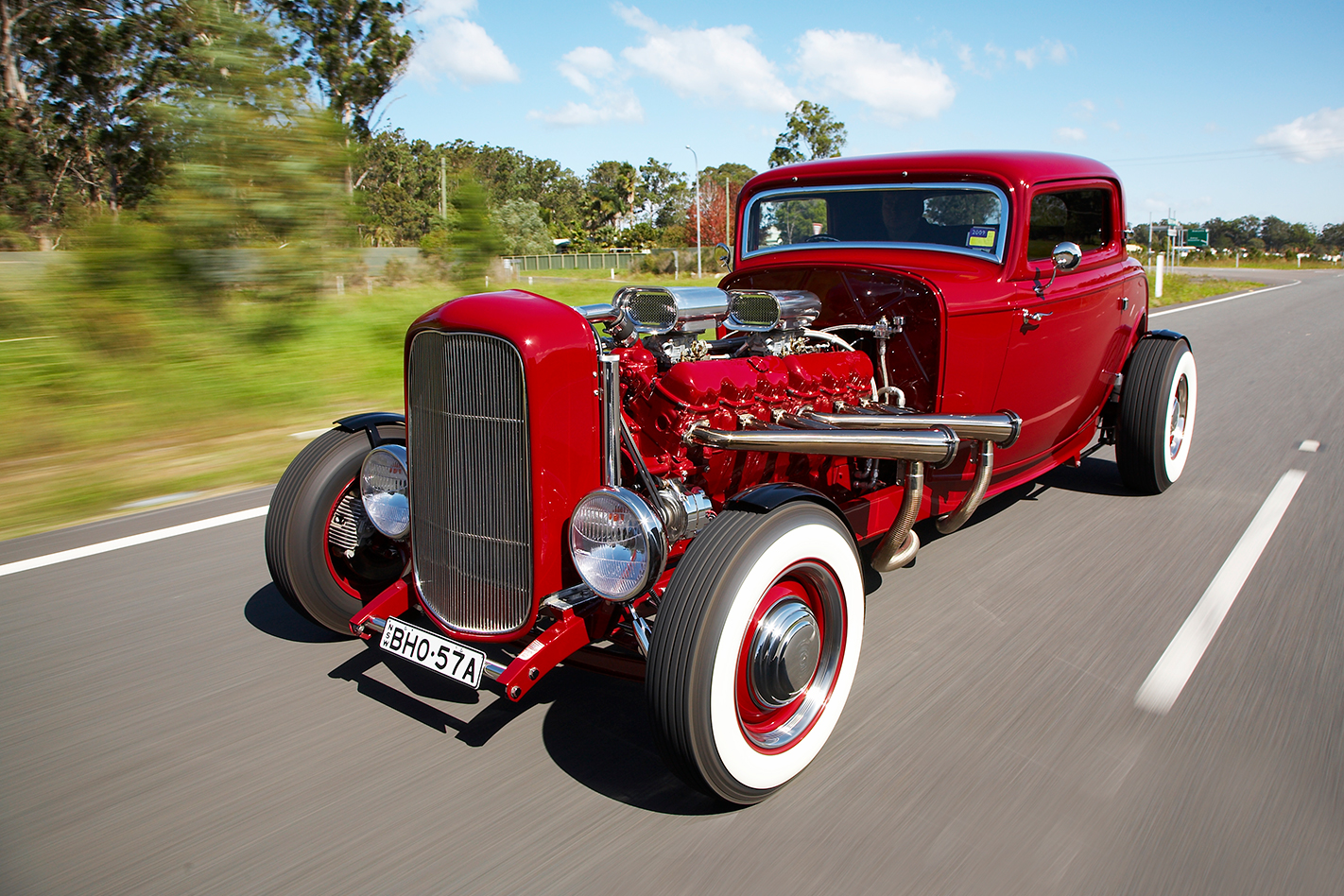 702CI '32 FORD COUPE V12