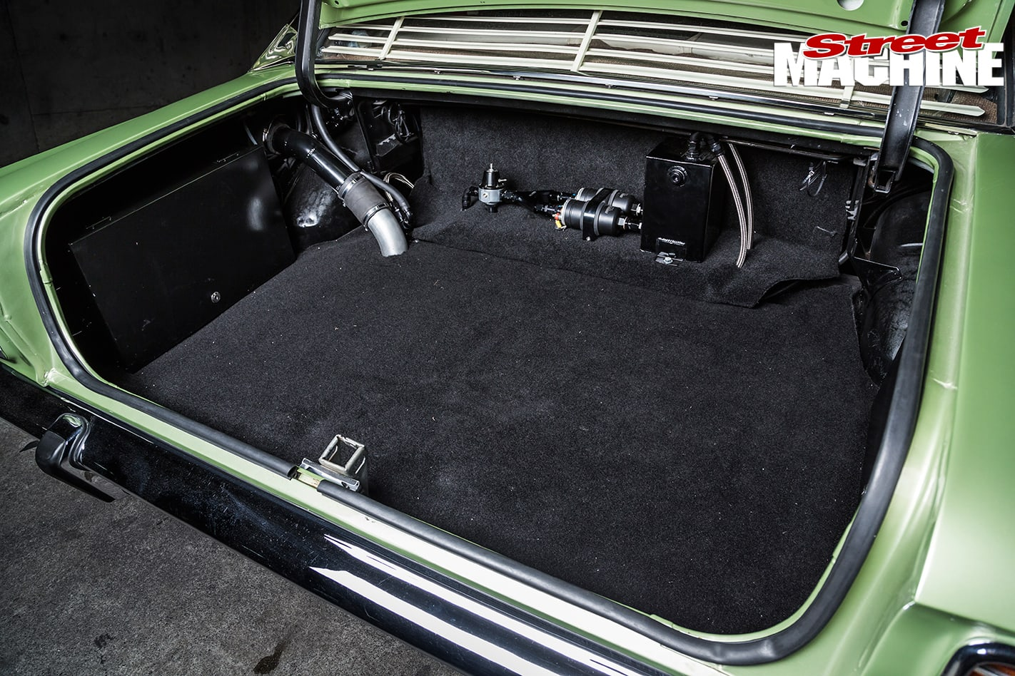 LS1-XW-Ford -Fairmont -GS-2-boot