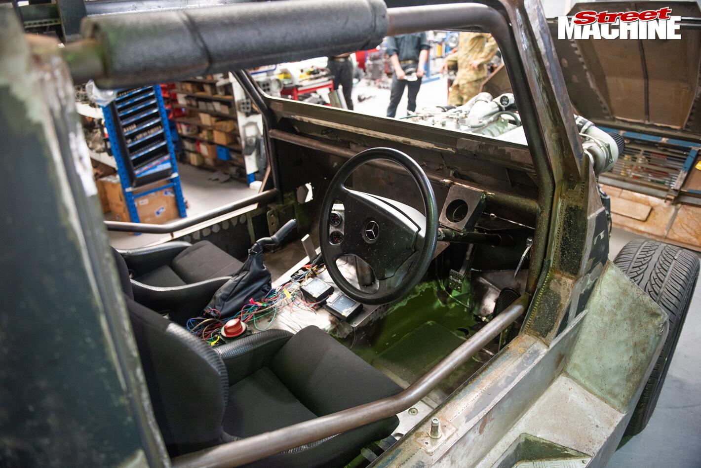 Team Army Matilda G Wagen interior