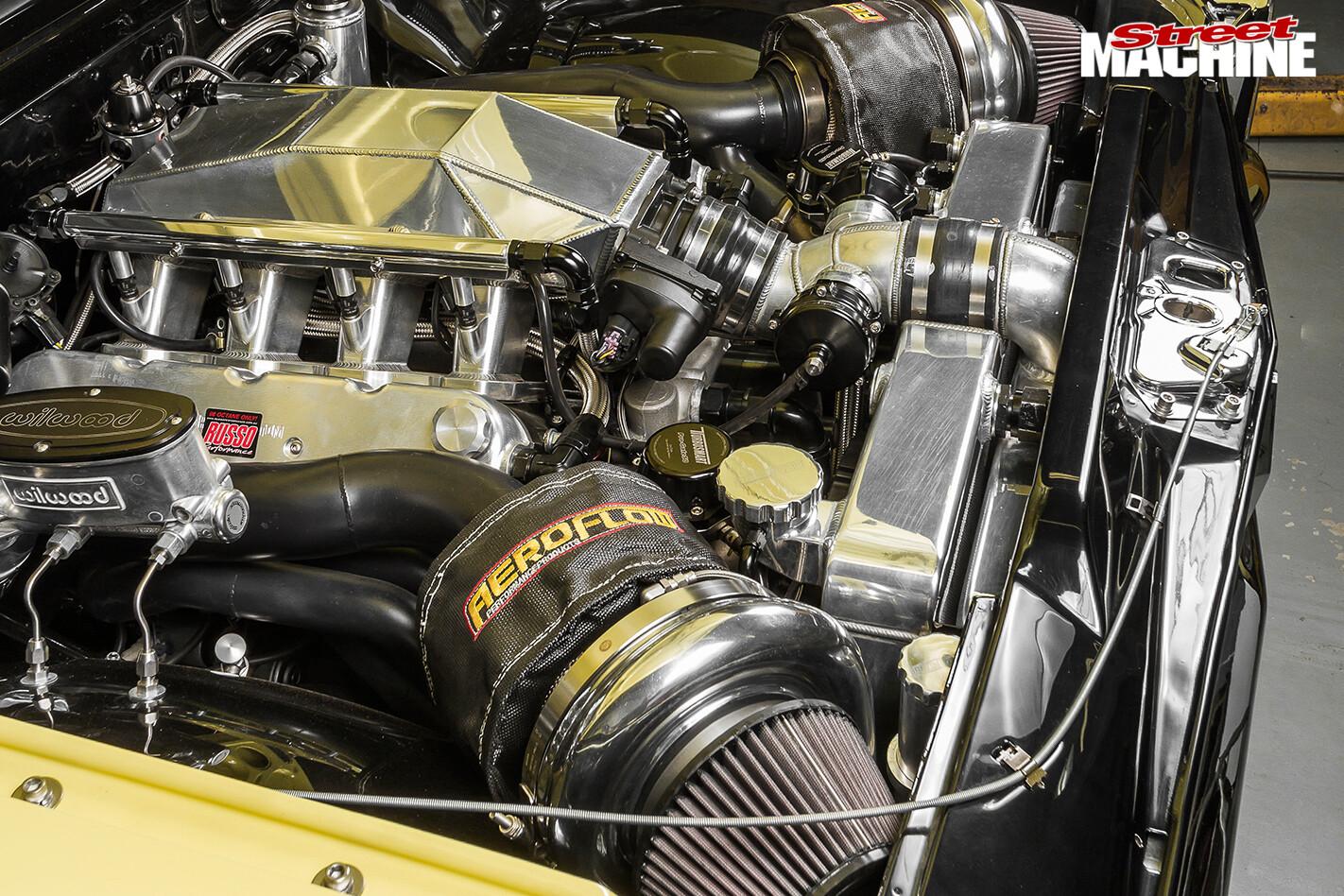 Holden -hk -monaro -engine -bay -2