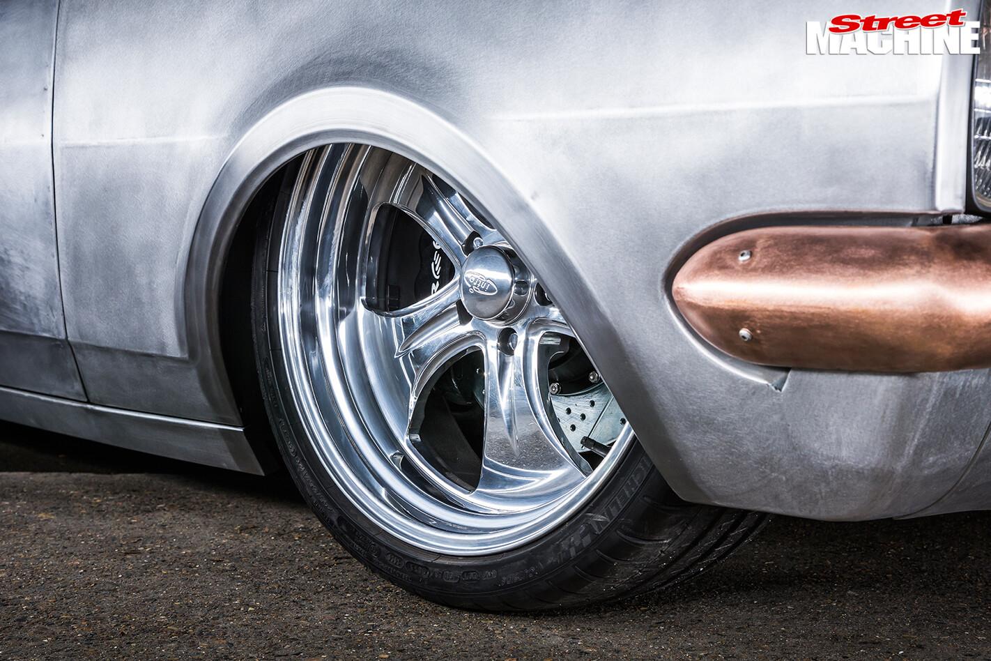 Holden -HT-Kingswood -wheels