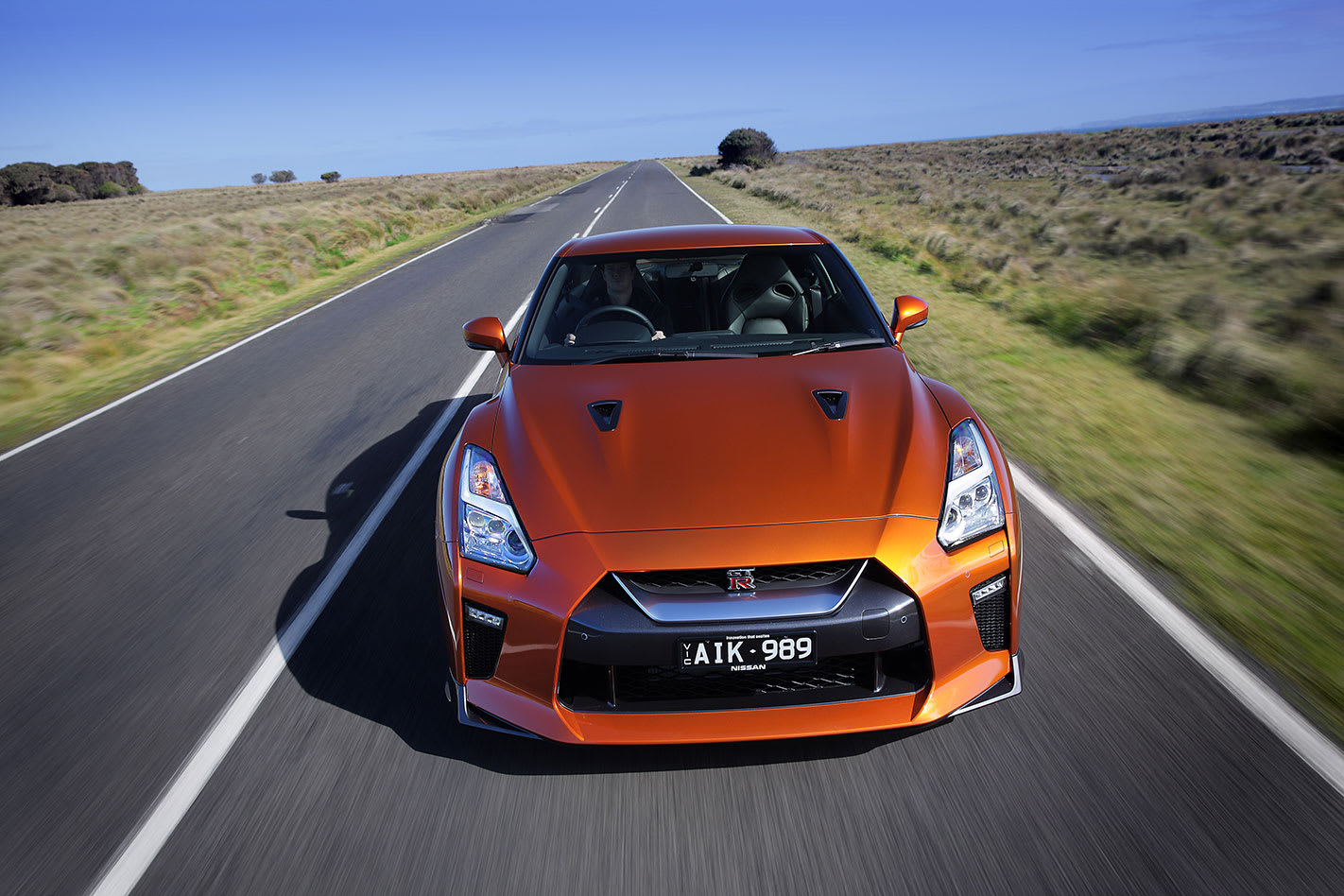 2017-Nissan GT-R tracking