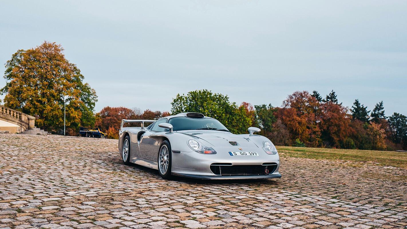 43 Porsche 911 GT 1 Web Jpg