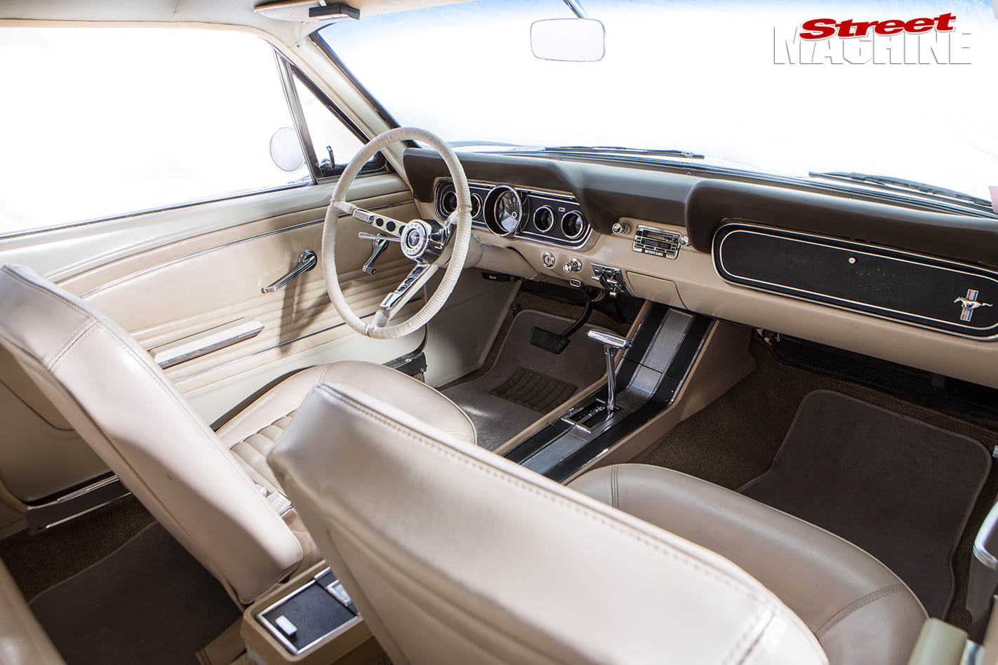 Nicole -Bridge -1966-Mustang -interior