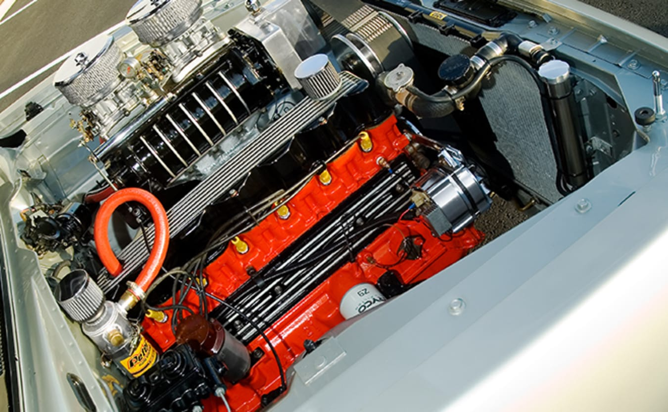 Chrysler VH Charger engine