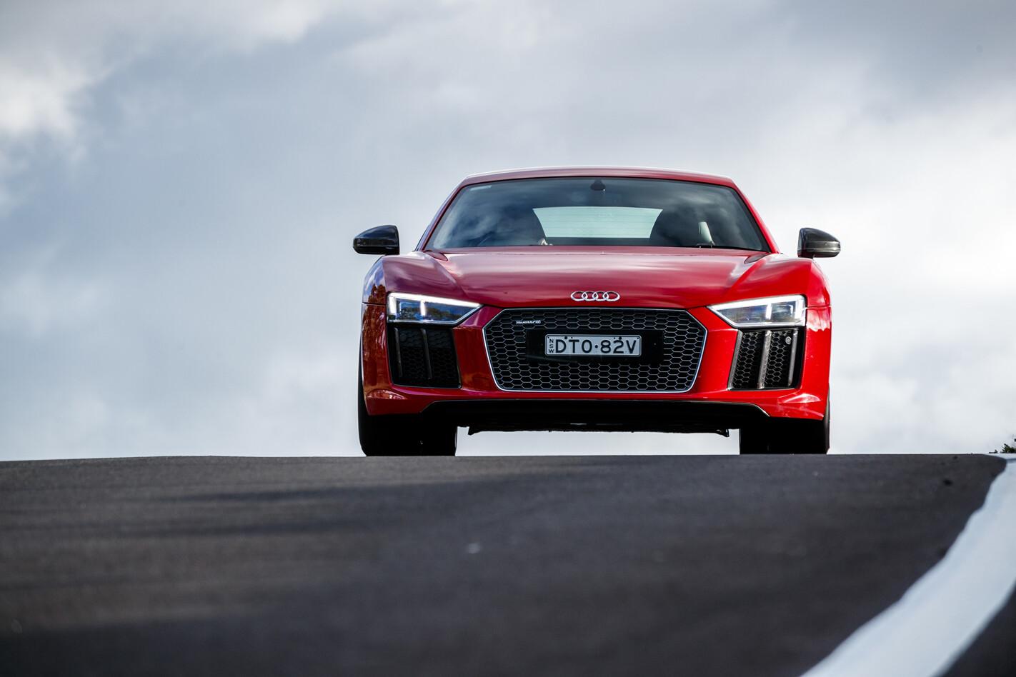 Audi R8 V10 track
