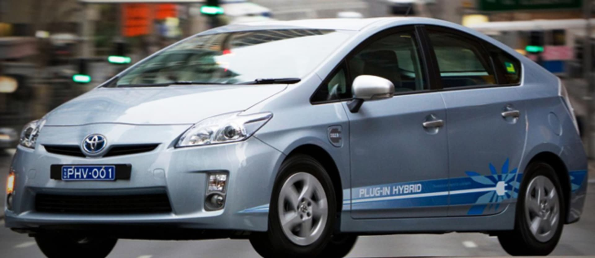 Aussies still bypass electric cars