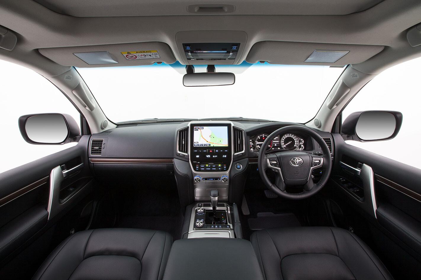 https://d3lp4xedbqa8a5.cloudfront.net/s3/digital-cougar-assets/whichcar/2016/04/08/2513/Toyota-LandCruiser-VX-2016-dash.jpg