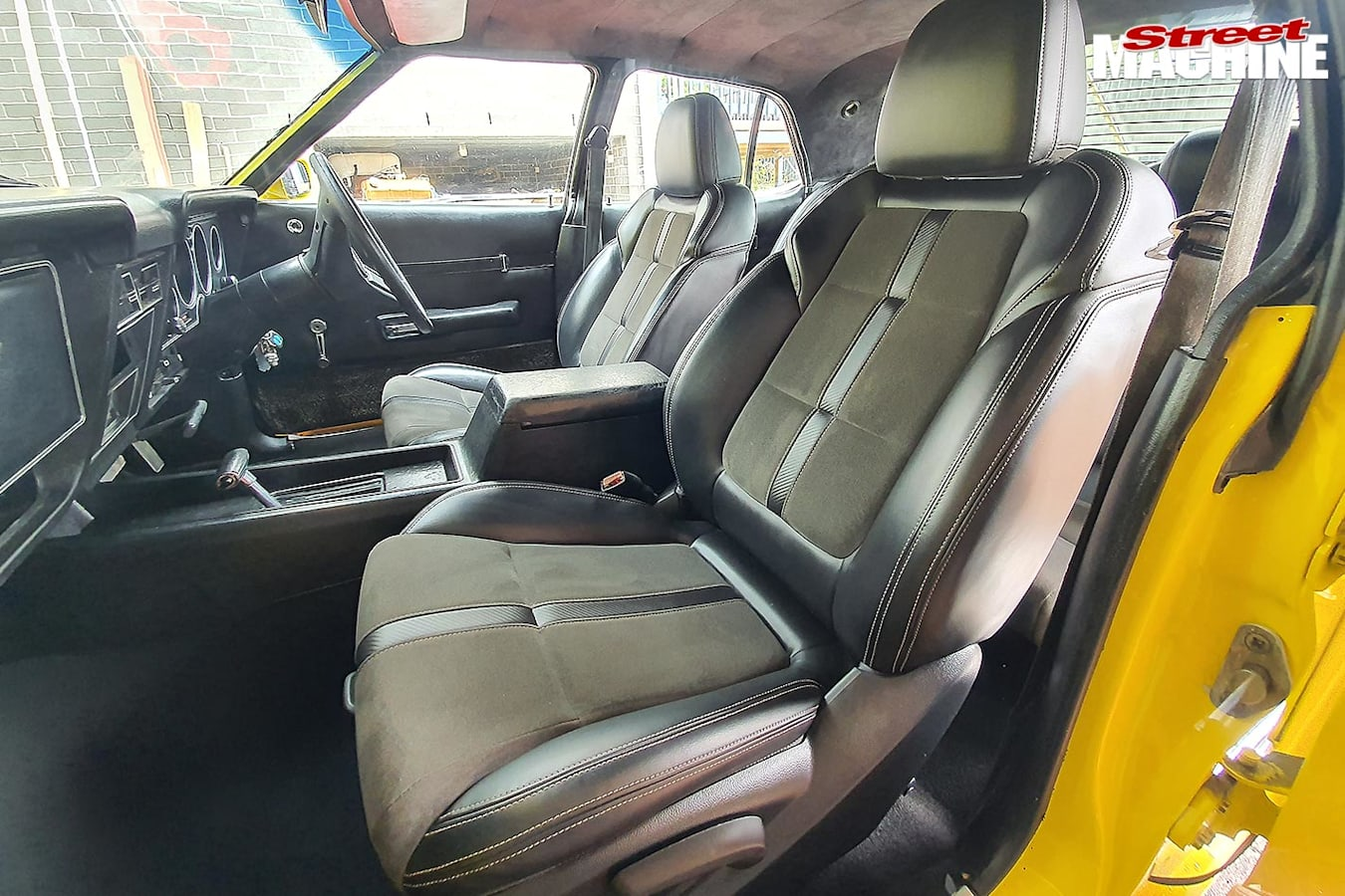 Ford XC Fairmont front seats