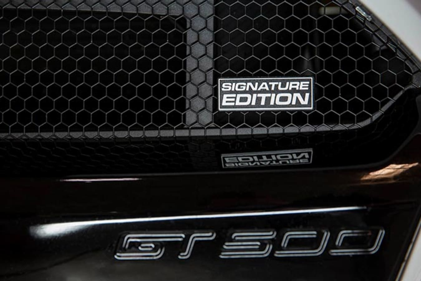 Shelby American GT500SE badge