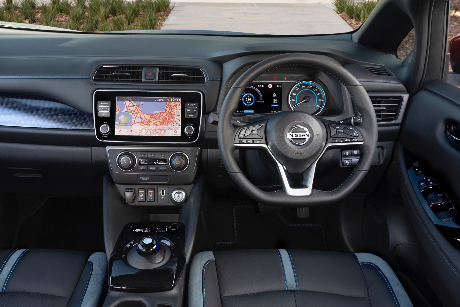 Nissan LEAF Interior 281 29 Jpg