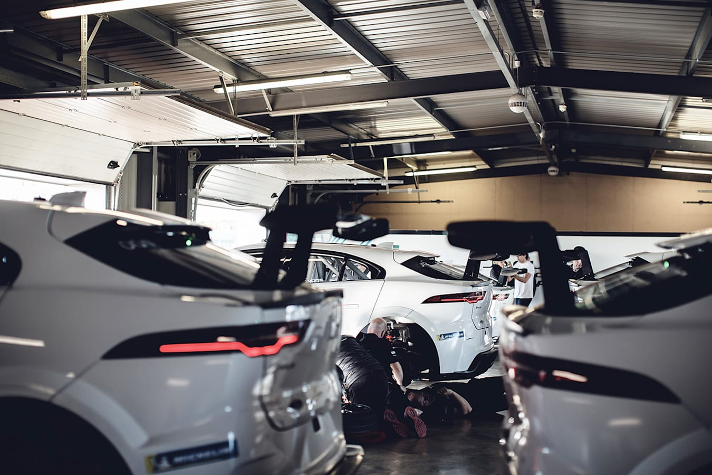 Jaguar I Pace Etrophy Change Jpg