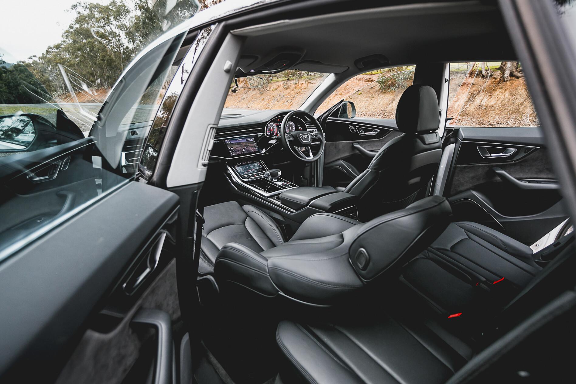 Audi Q 8 V BMW X 7 Resized 30 Jpg