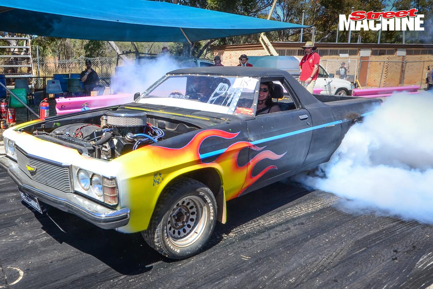 Holden HZ Ute Burnout 8212
