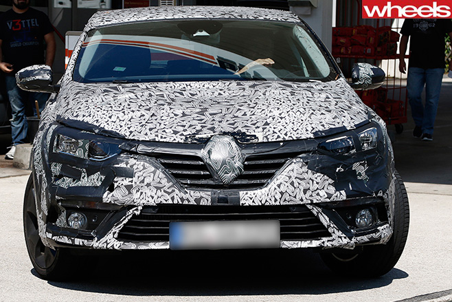 Renault -Megane -Spy -Pic -fascia