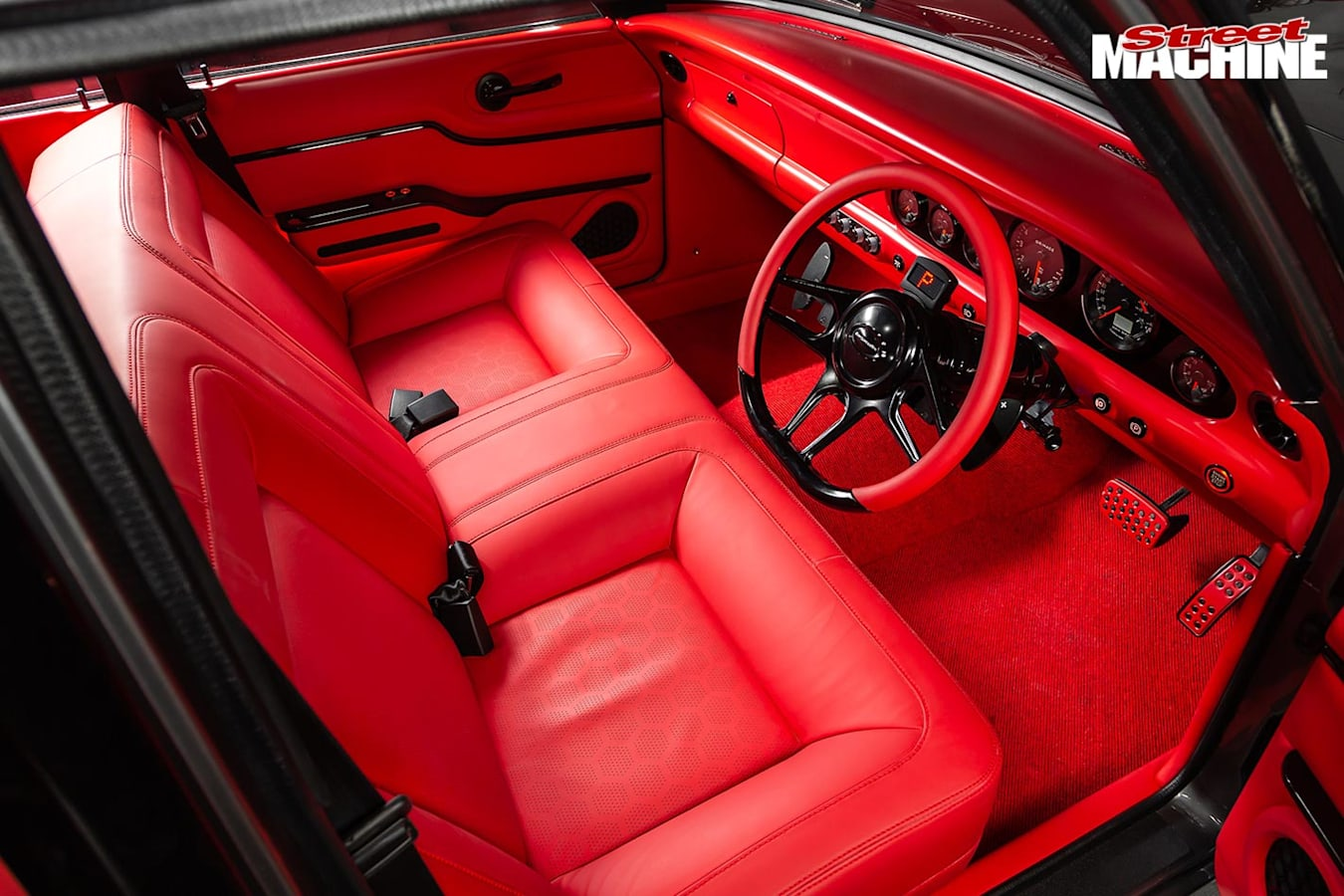 Ford XM Falcon front seats
