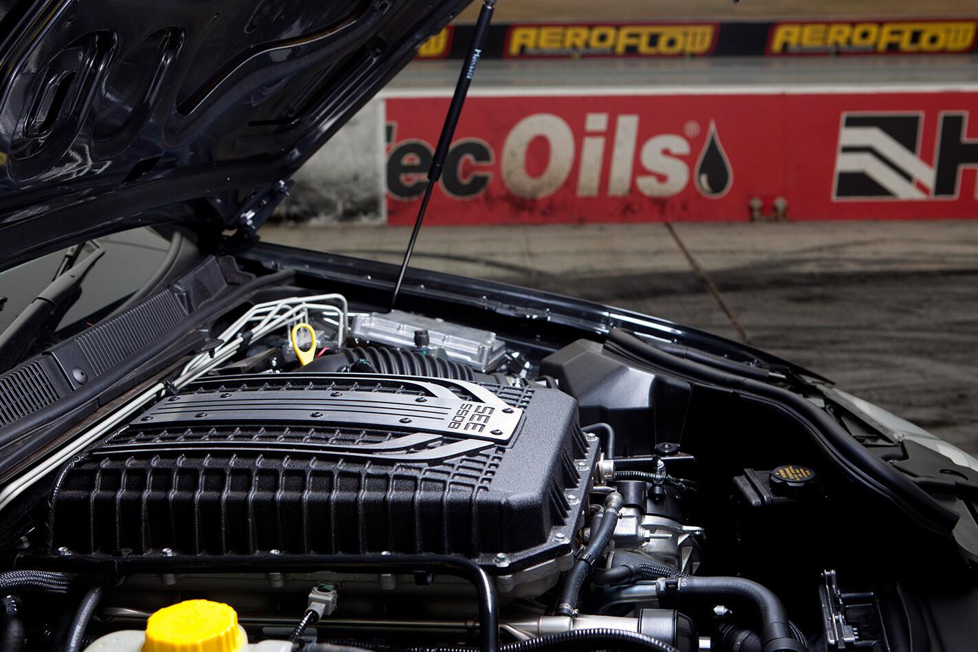 2012-FPV-GT-RSPEC-engine.jpg