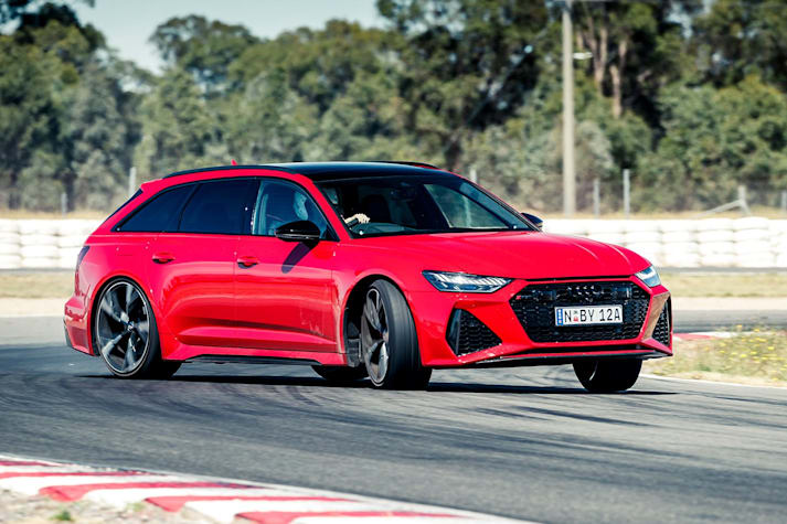 2021 Audi RS6 hot lap MOTOR Shootout