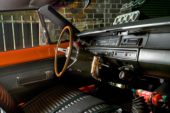 Plymouth Road Runner interior front