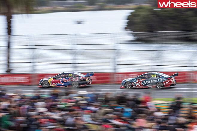 V8-Supercars -driving