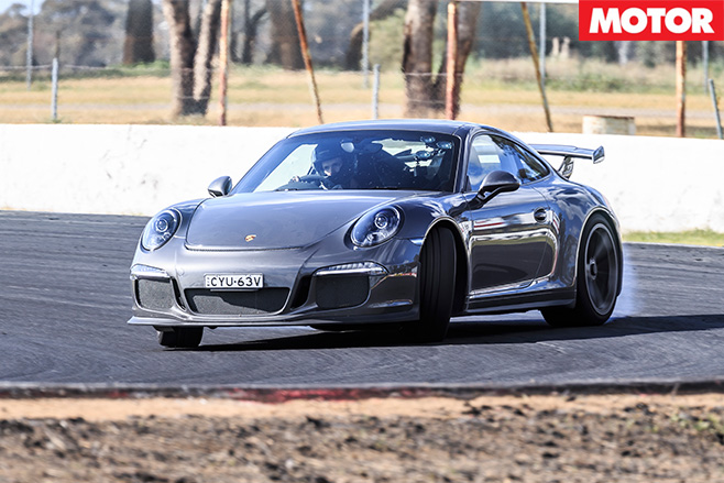 Porsche 911 GT3 burnout