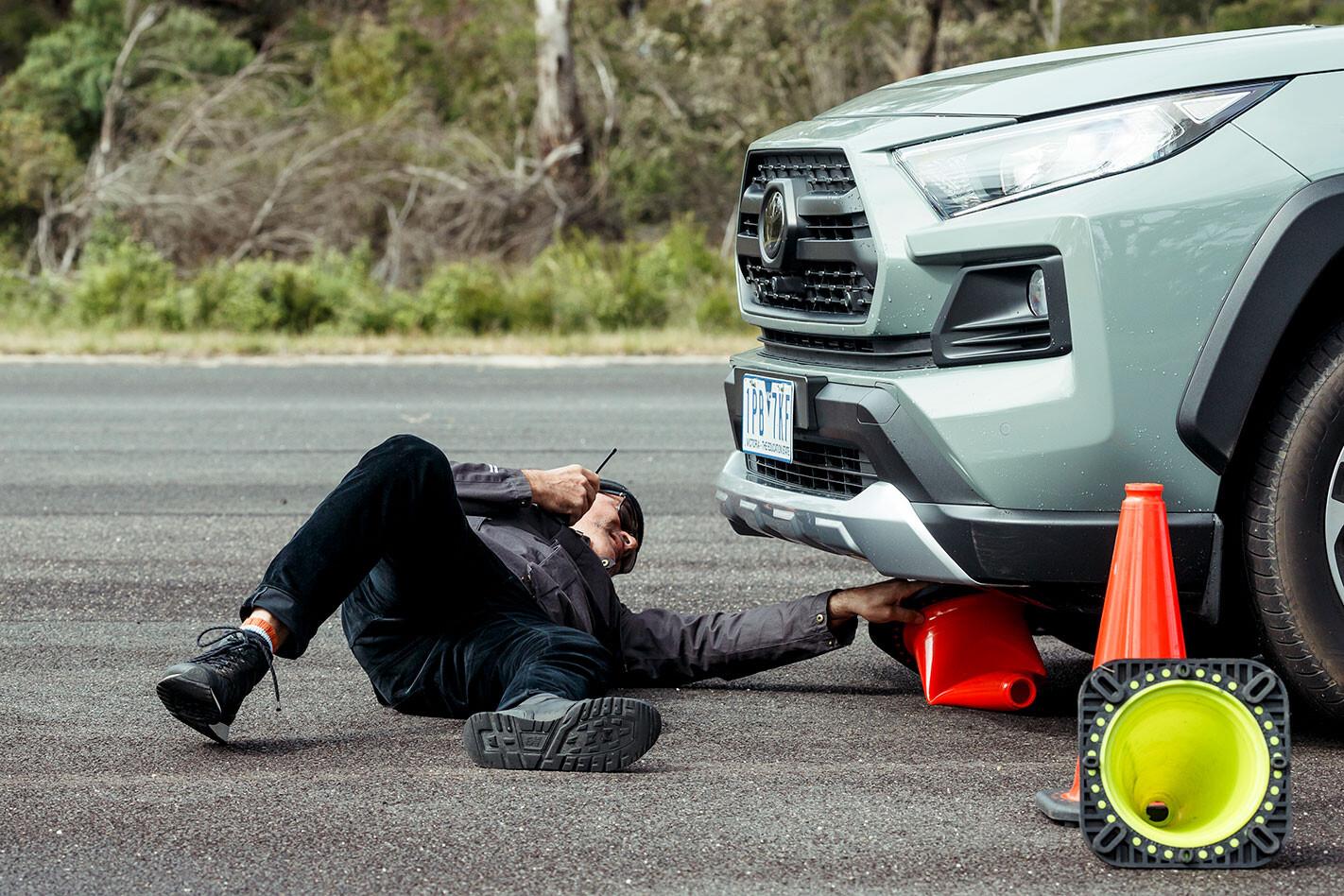 Toyota RAV4 fails moose test