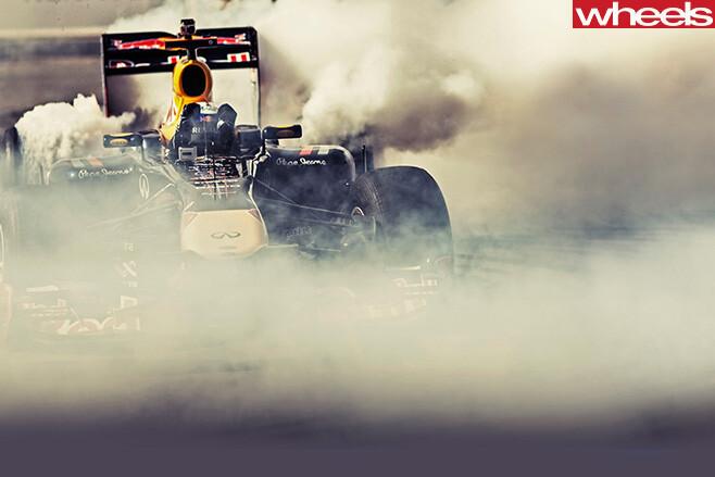 Daniel -Ricciardo -F1-racing -red -bull
