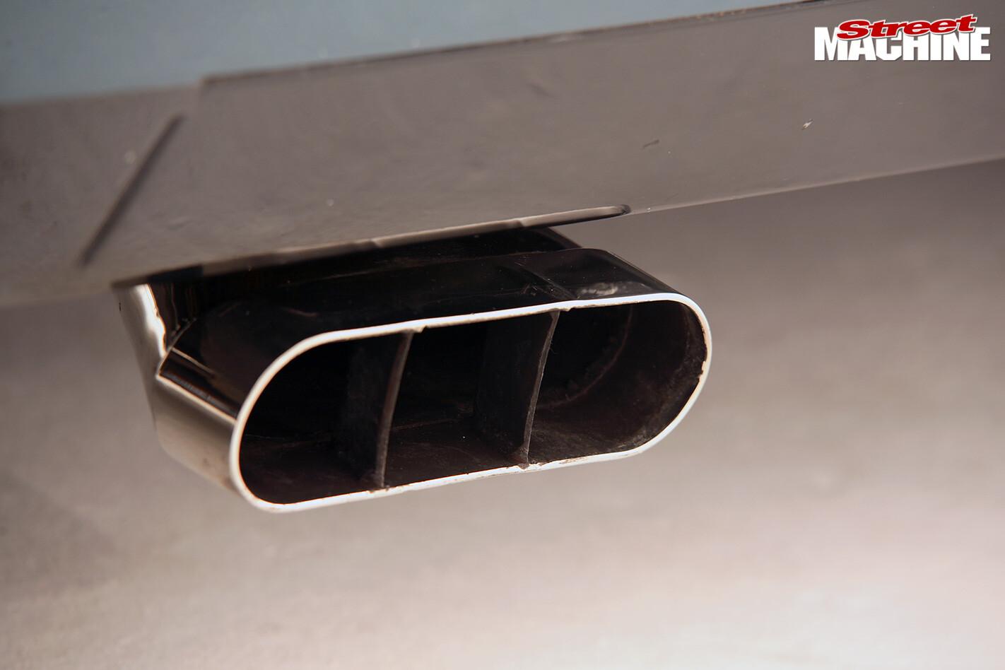 Holden HZ Sandman exhaust