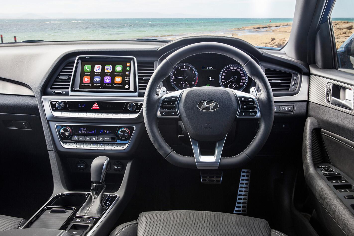 2018 Hyundai Sonata steering wheel