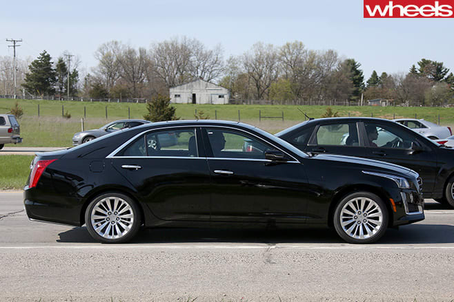 Cadillac -CTS-side