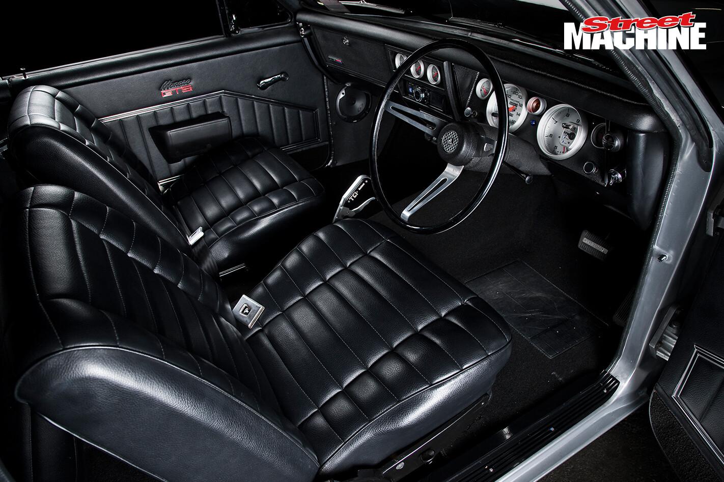 Holden HG Monaro GTS 355 V8 Interior 5