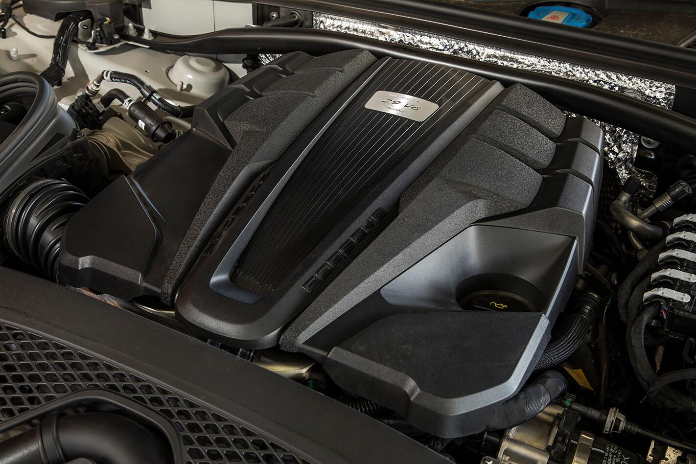 2020 Porsche Macan Turbo Review 2 Jpg