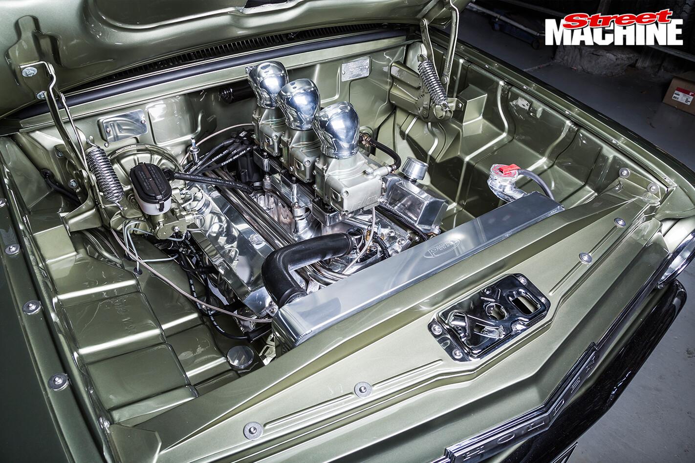 Holden -EH-Panel -Van -engine -bay