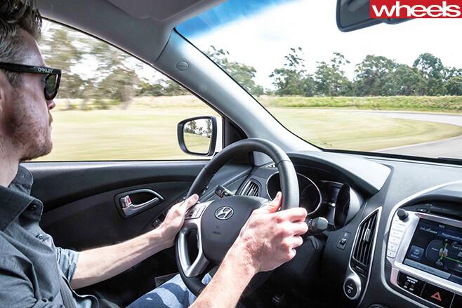 Hyundai -ix 35-hydrogen -driving -interior