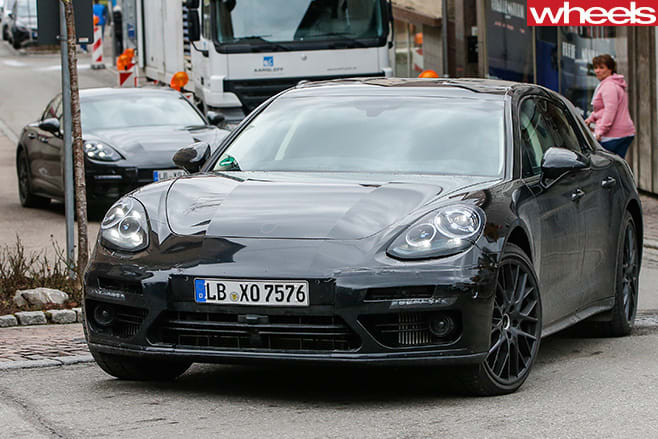 Porsche -Panamera -front -side -driving