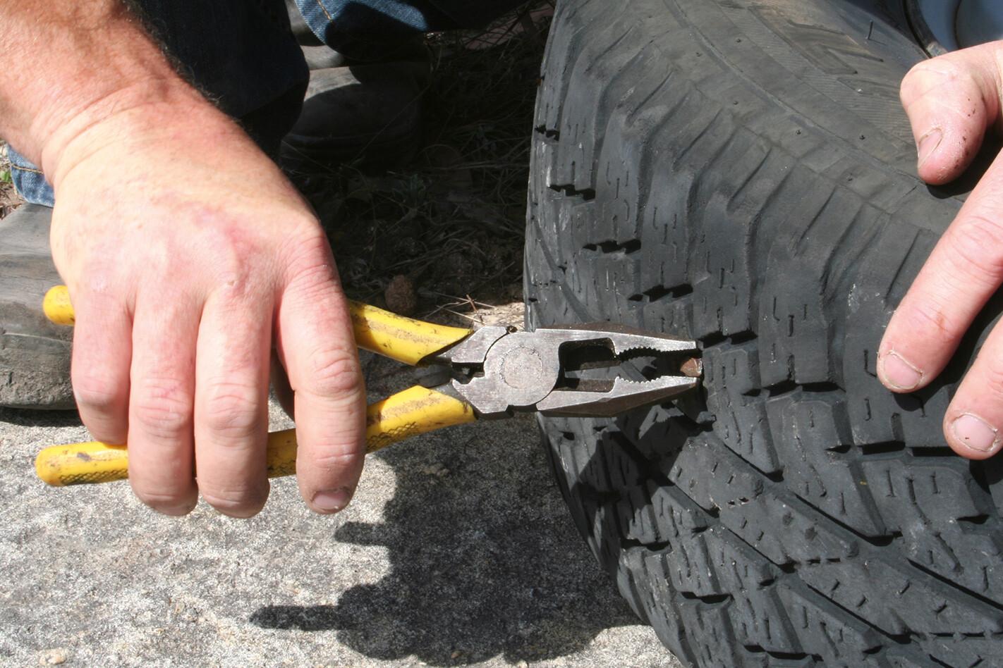 Pliers-tyre.jpg