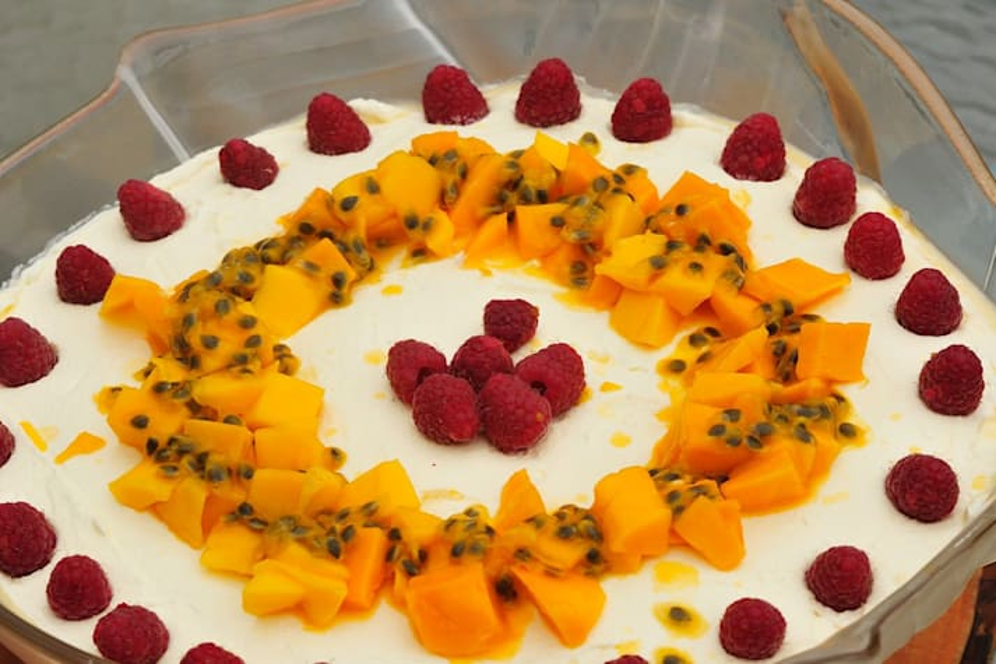 Recipe Tropical mango trifle main