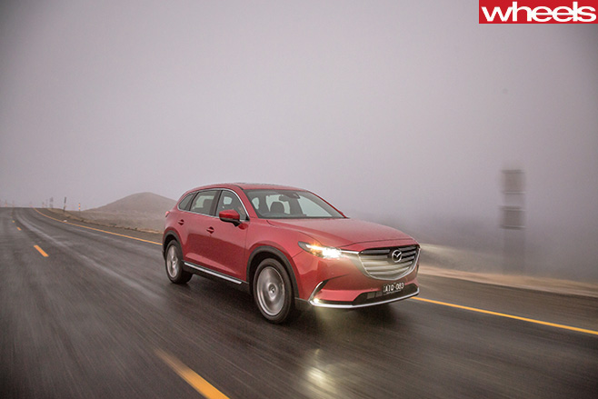 Mazda -CX-9-2017-front -side -driving