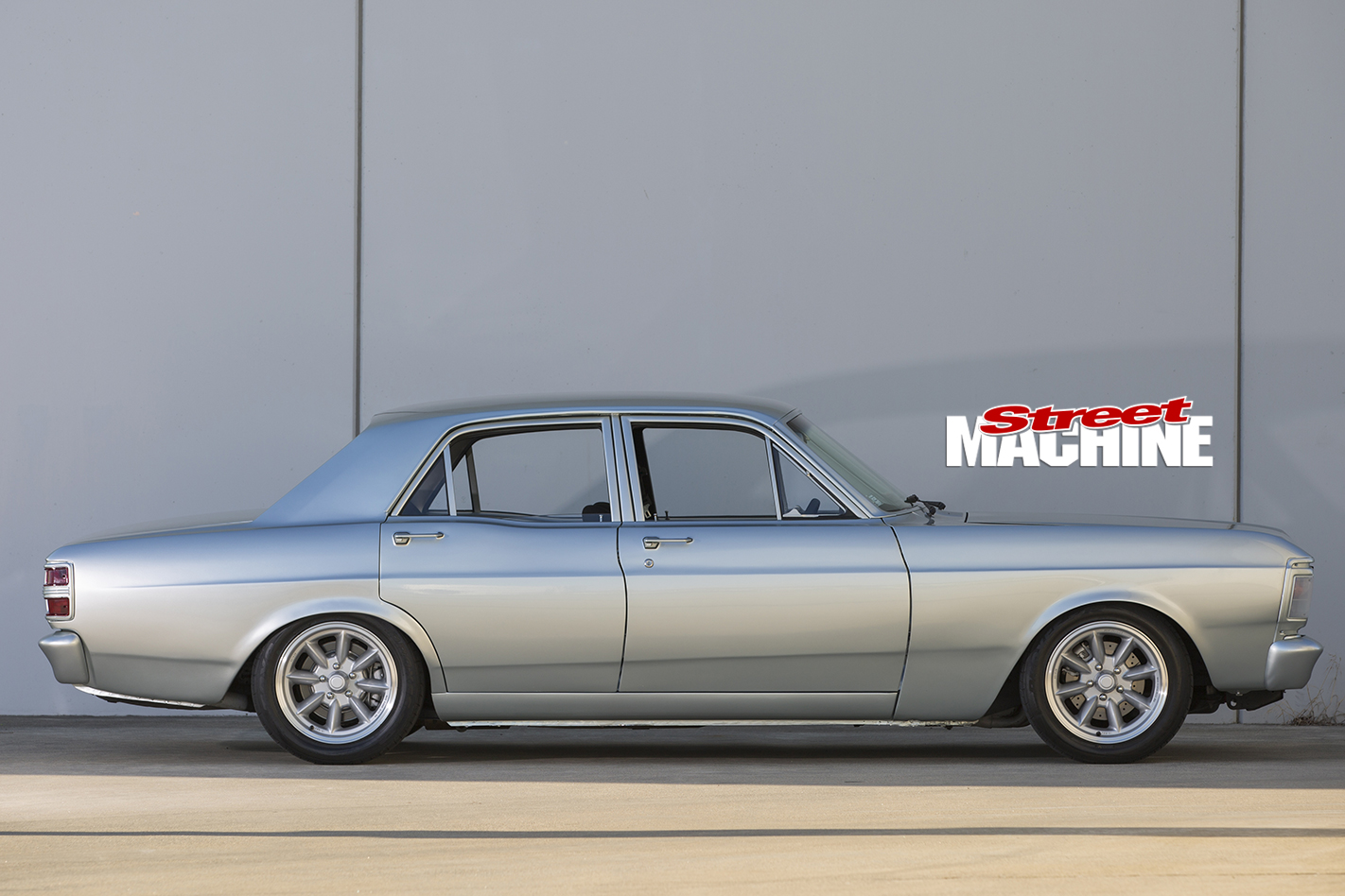 Ford -XY-Falcon -side