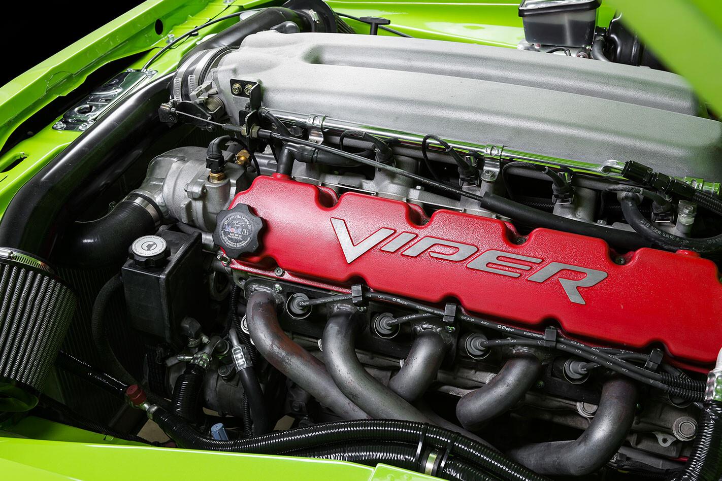 Viper 10 engine