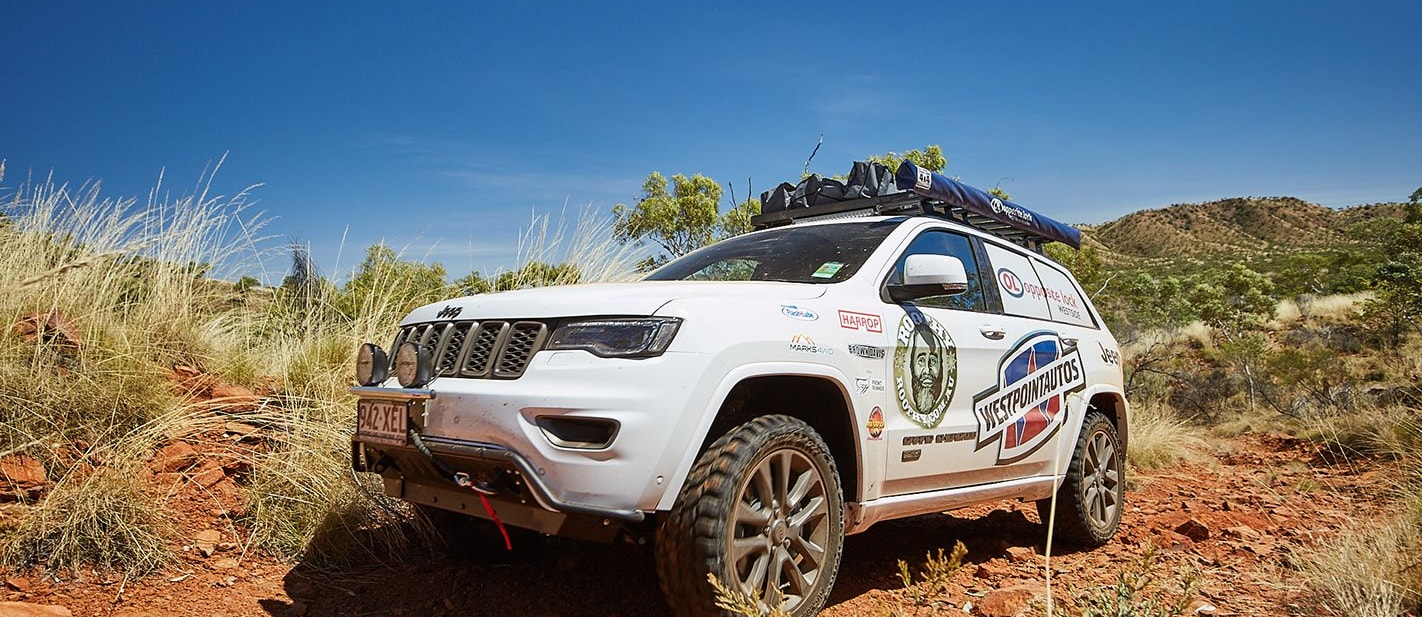 2017 Jeep Grand Cherokee off road with Roothy