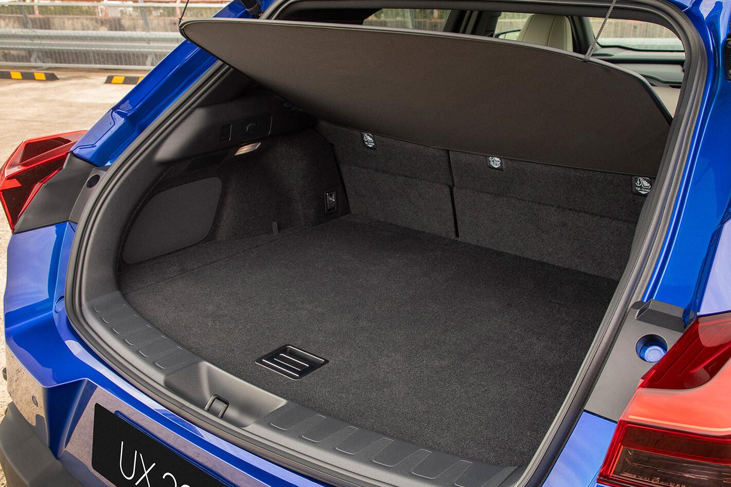 Lexus Ux Boot Jpg