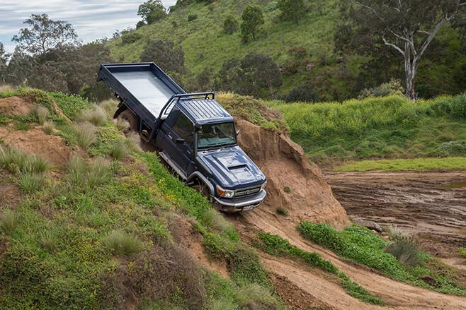 70 series landcruiser downhill front