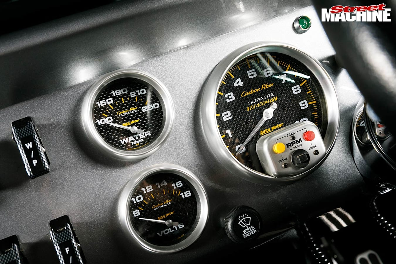 Ford Falcon XY ute gauges