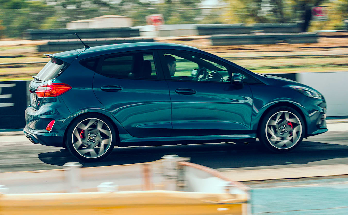 2020 Ford Fiesta ST drag launch