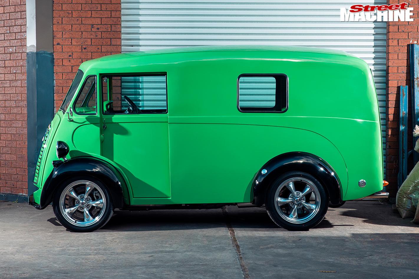 Morris J-Van side