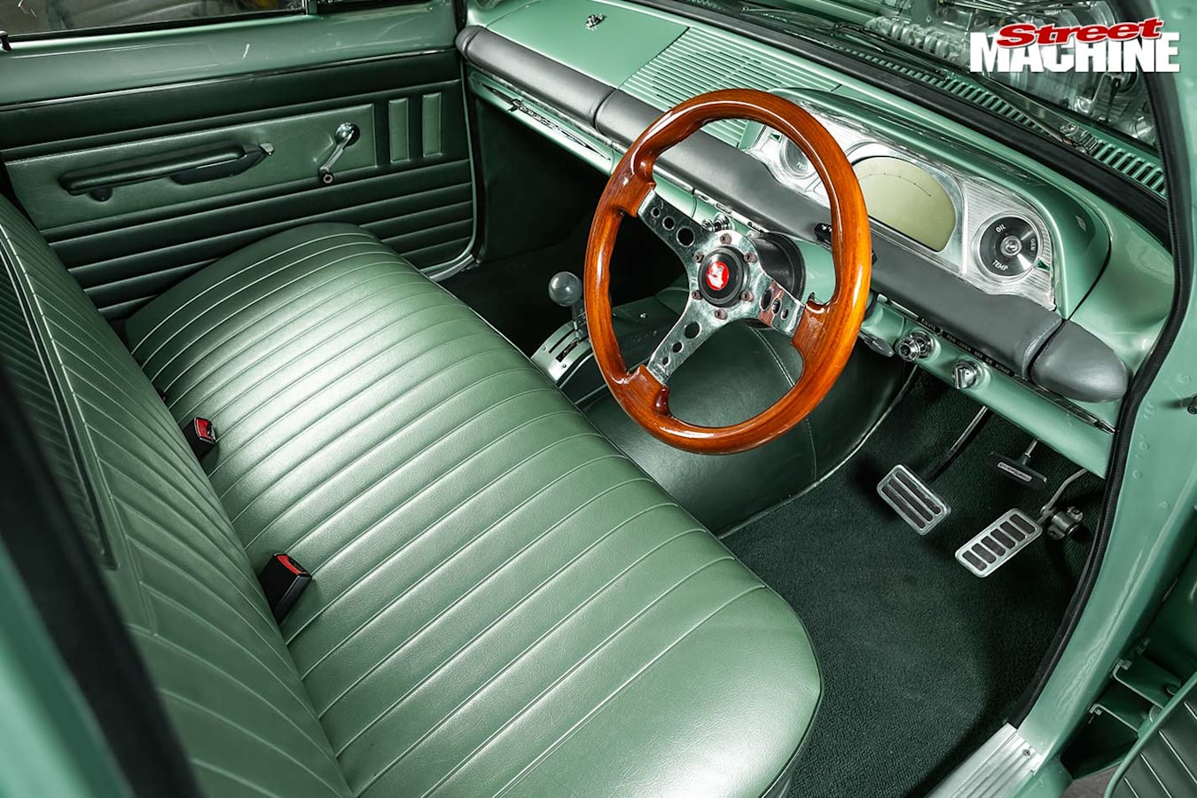 Holden EH wagon interior front