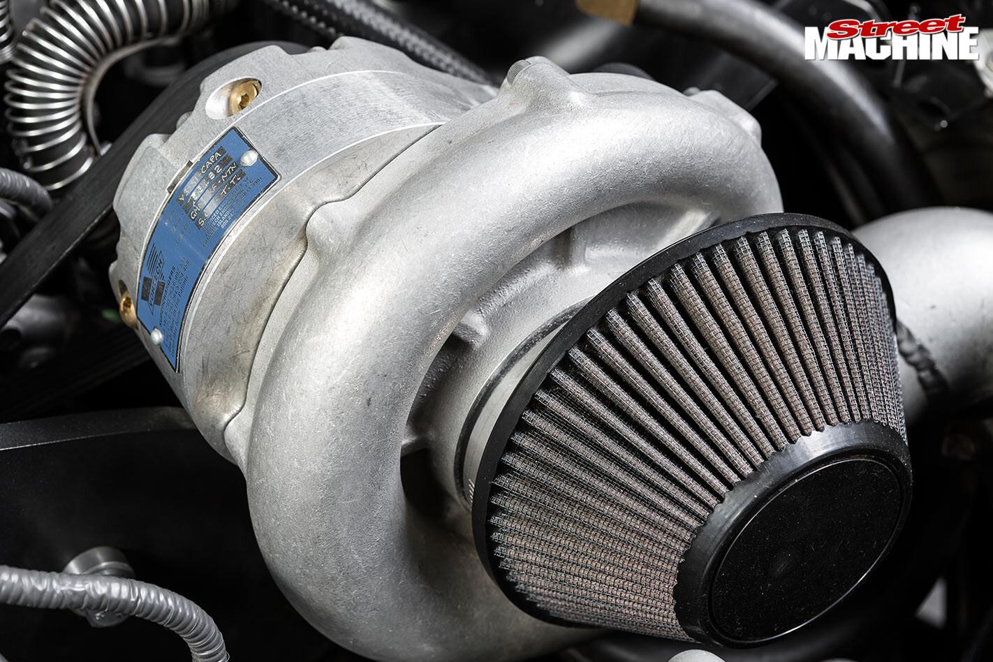 Holden VE ute engine bay