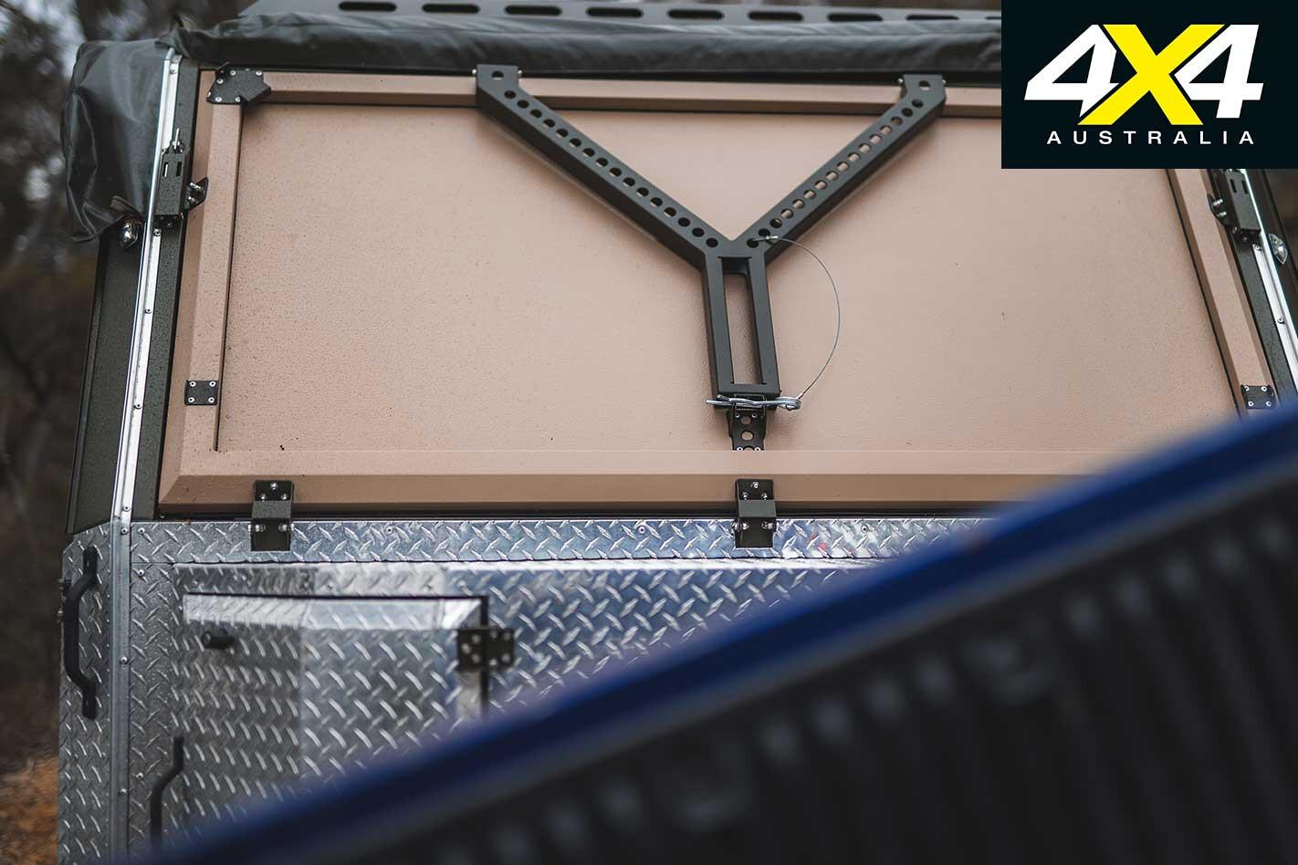 Conquerer UEV 490 Camper Trailer Panel Jpg